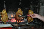 B14-GASTRONOMIE-arrosage-du-poulet-a-la-ficelle